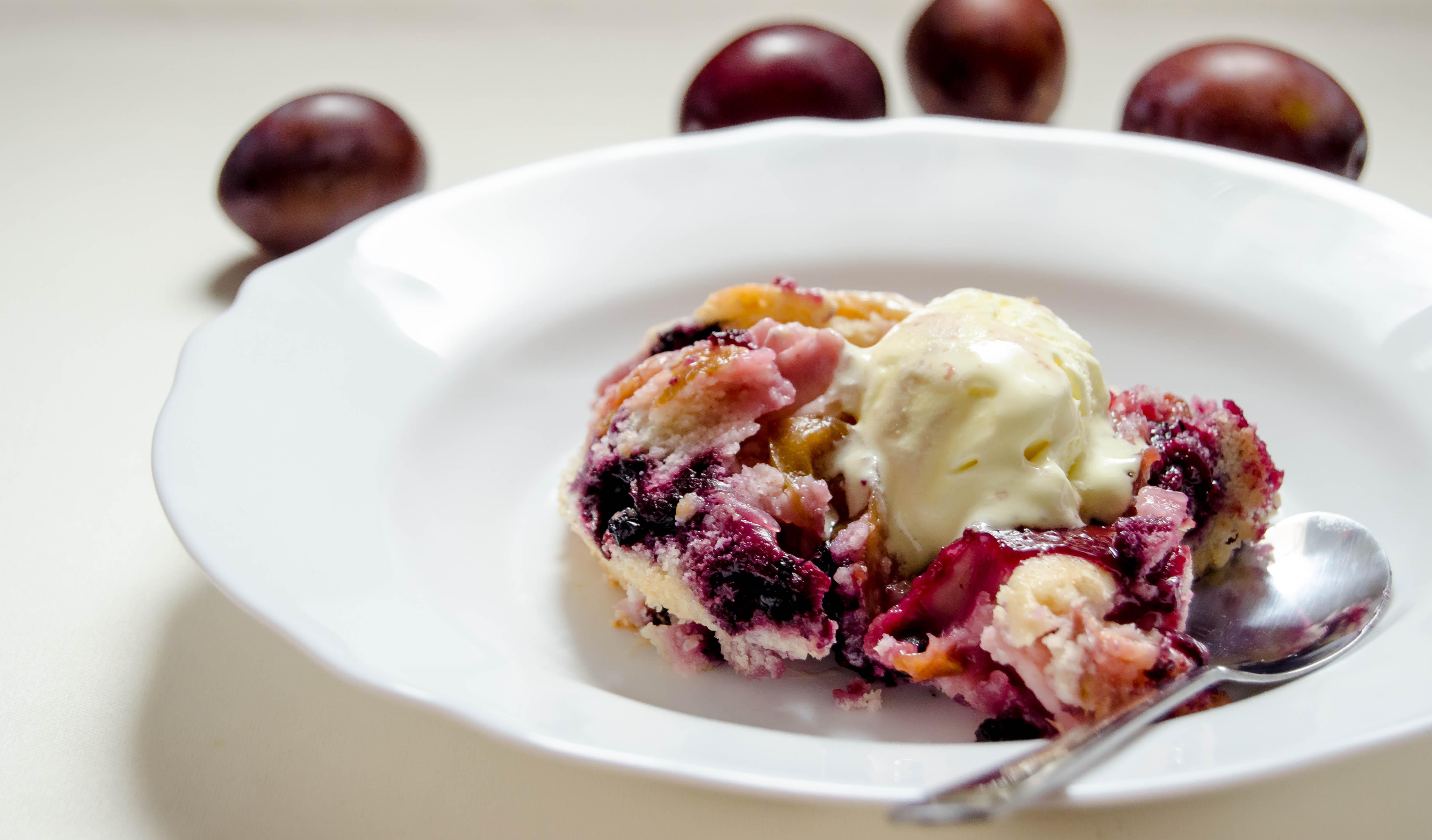Plum Cobbler} – Cobbler cu prune si afine