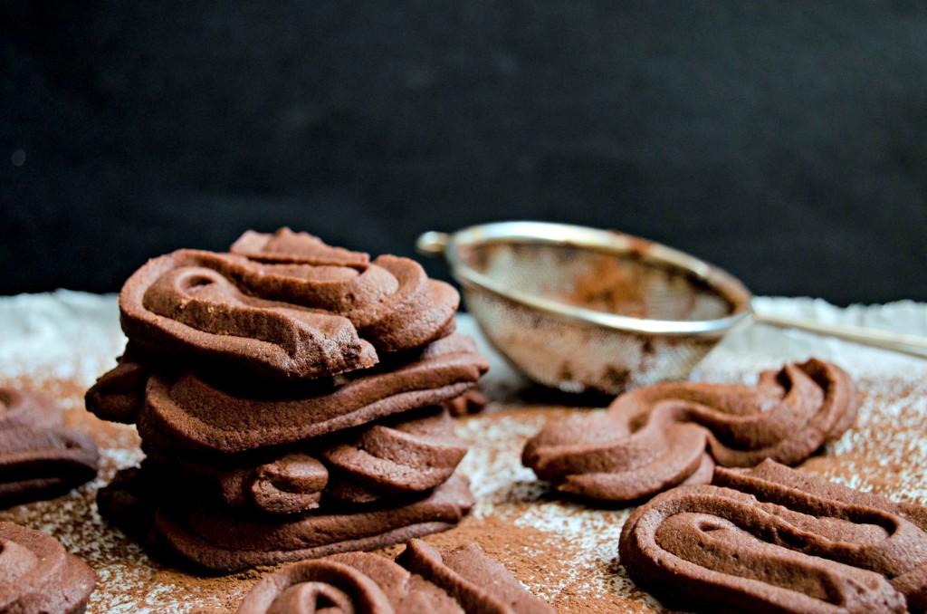 Viennese Chocolate Sablee Cookies} – Fursecuri Vieneze Spritate