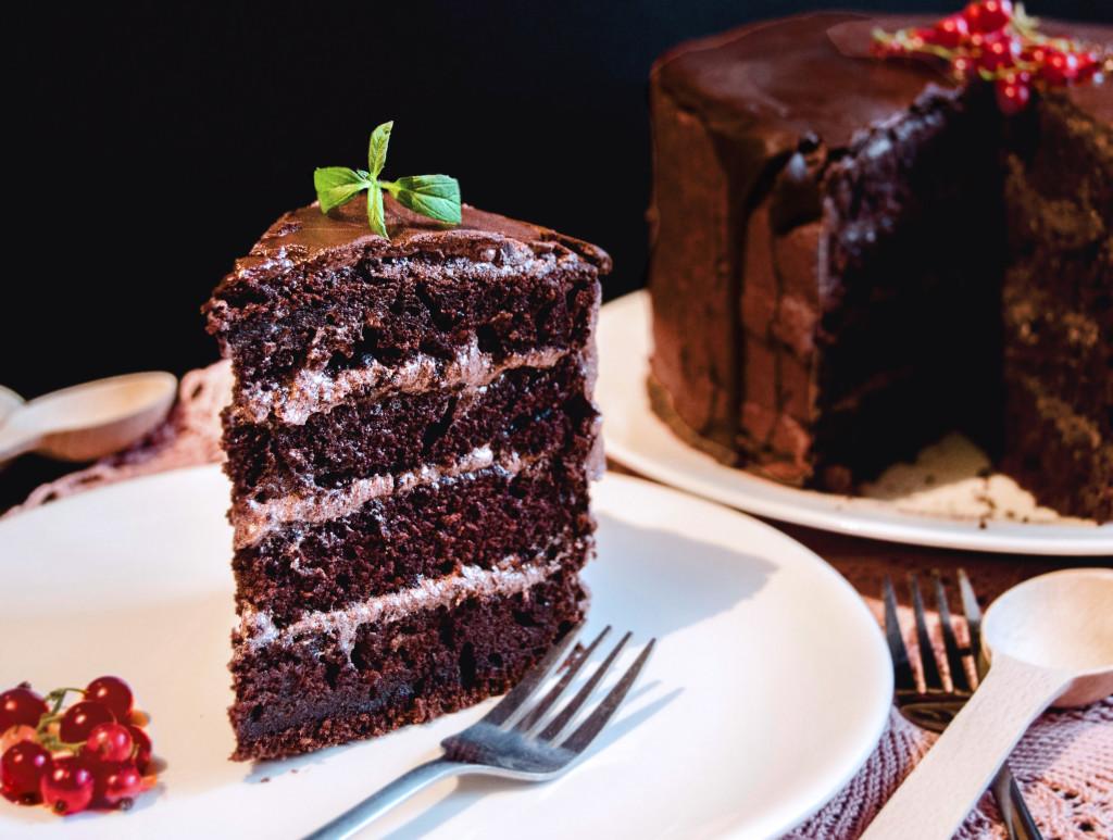 vegan cake 1 17bbds 1024x773 {Vegan Chocolate Cake} Tort de post cu ...