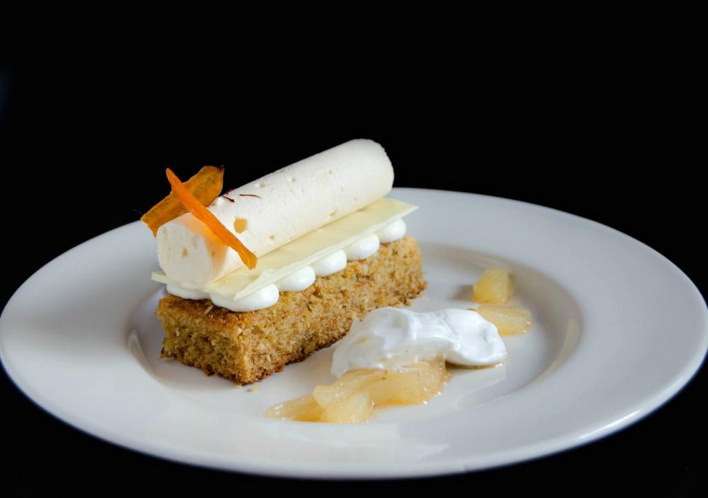 Carrot Cake Plated Dessert Tort Cu Morcovi